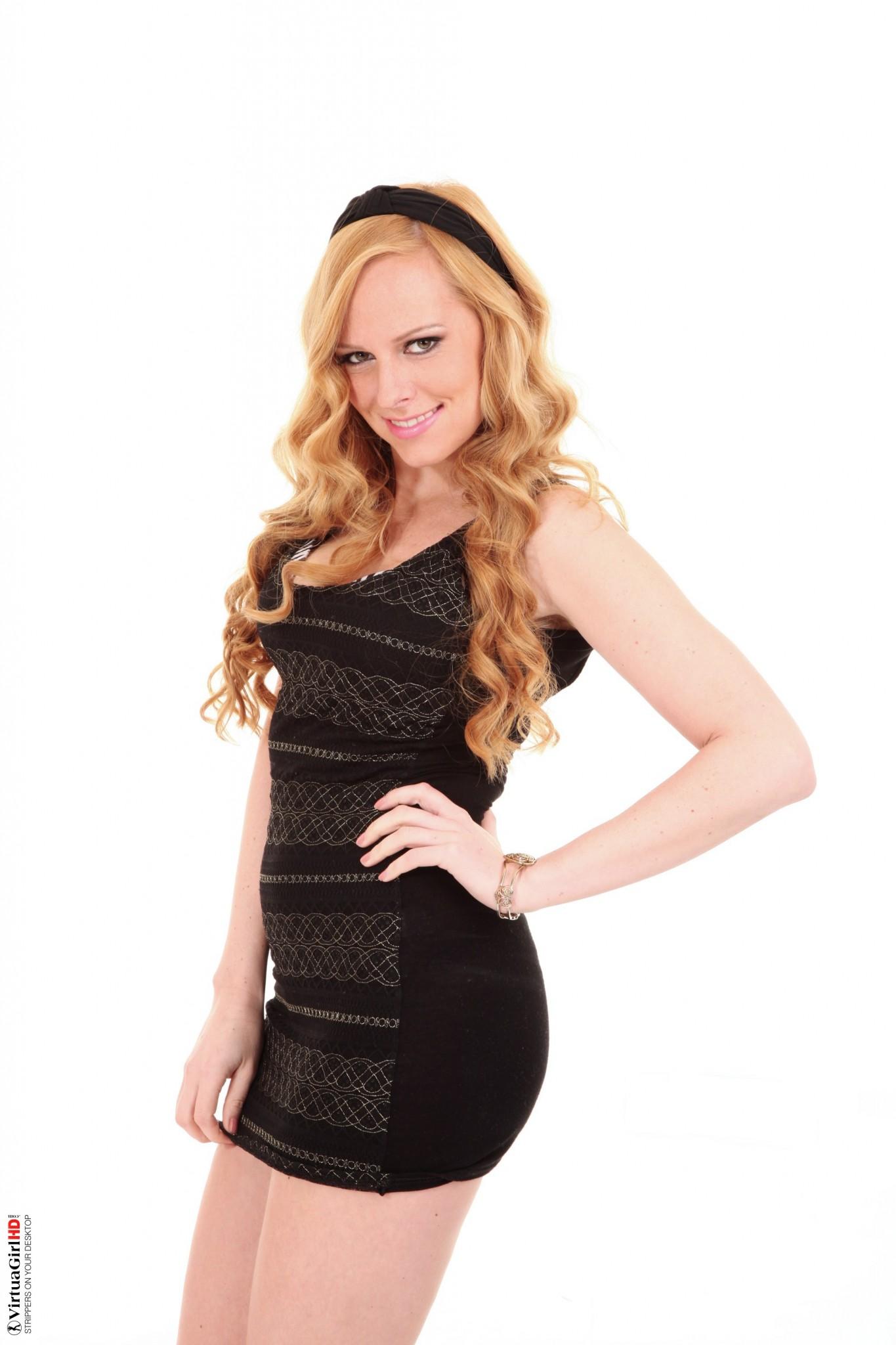 Carmen Gemini redhead